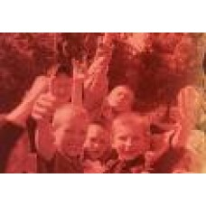 NATERER, ANDREJ-BOMŽI: Cestni otroci v Makejevki